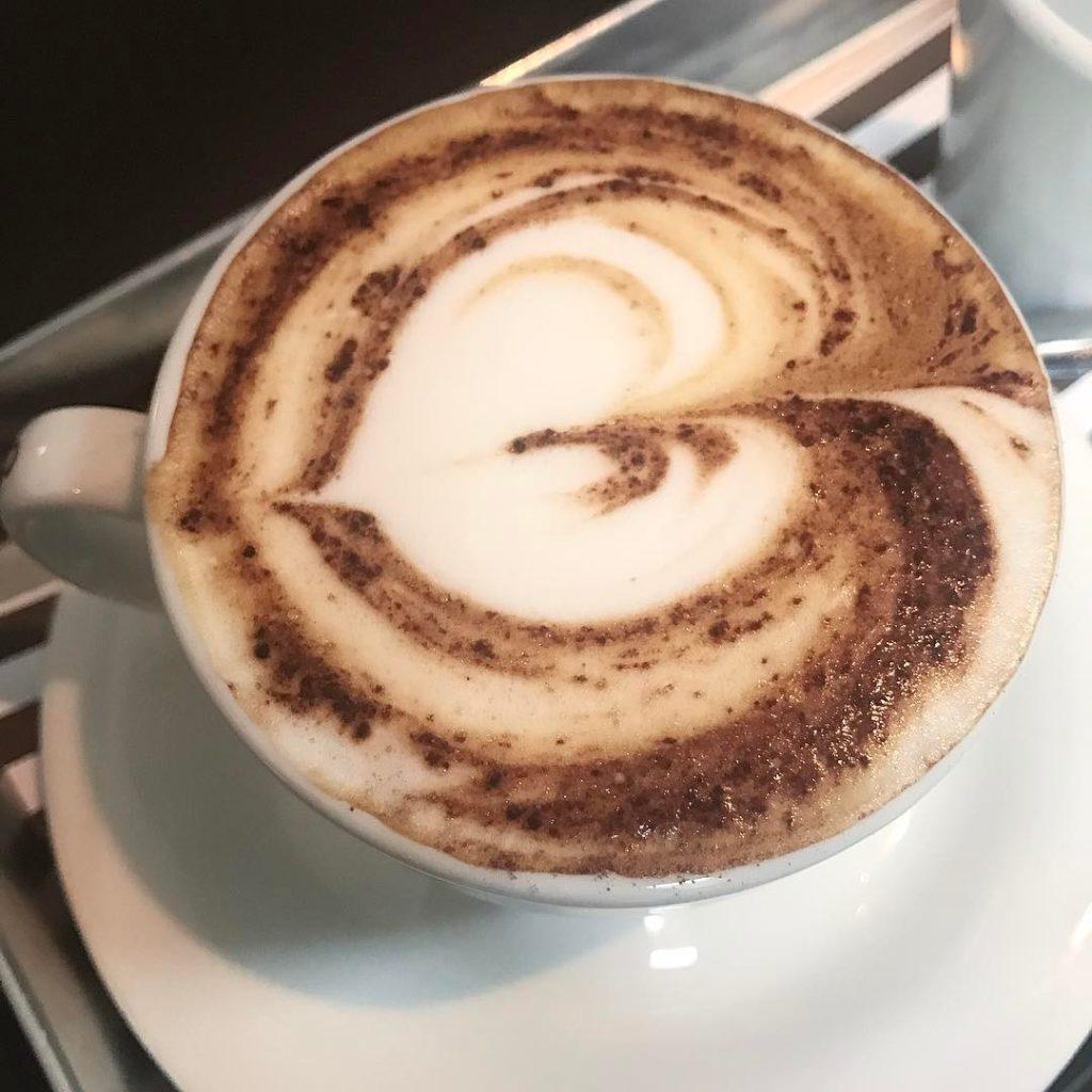 Con amore itsallaboutlove onemoreaddction giulianapoli lifestyleblogger torino morning start cappuccinohellip