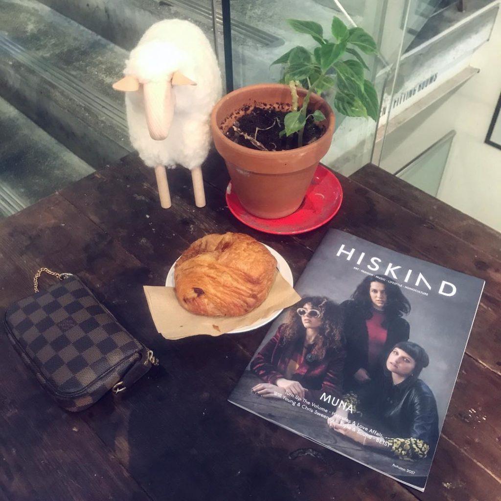 Chilling jackwills lunchbreak afterlunch panauchocolat onemoreaddiction giulianapoli lifestyleblogger london