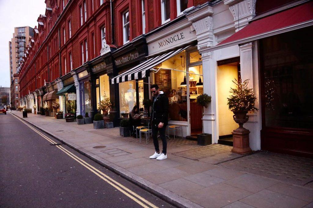Luca Monocle Caf  Londra Dicembre shooting London onemoreaddiction GiuliaNapolihellip